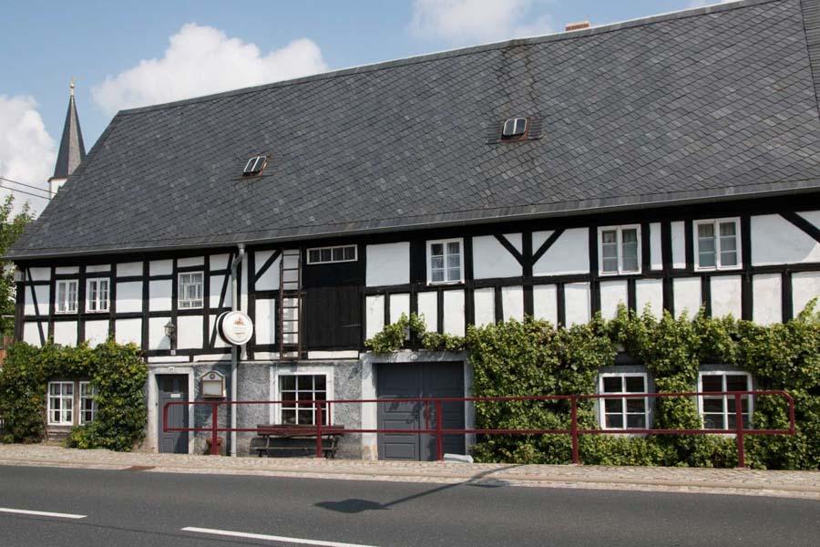 Schmiedelandhaus Greifendorf Straßenseite